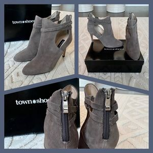 NWT Grey Genuine Leather Cutout Ankle Booties
